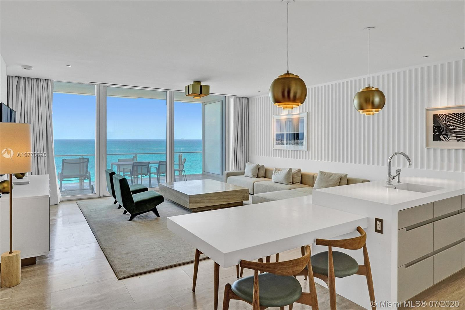HOTEL RESIDENCE AT FOUR SEASONS SURF CLUB.