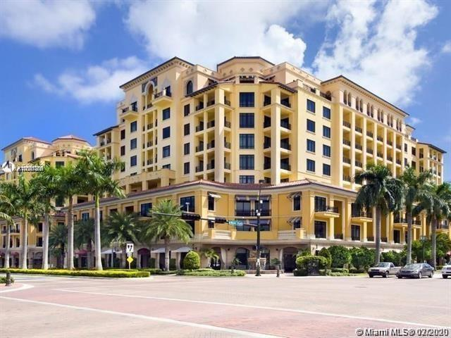 EXQUISITE 2/2.5 townhome located in Boca Raton's ultra chic 200 east condo tower. walk to shops, res