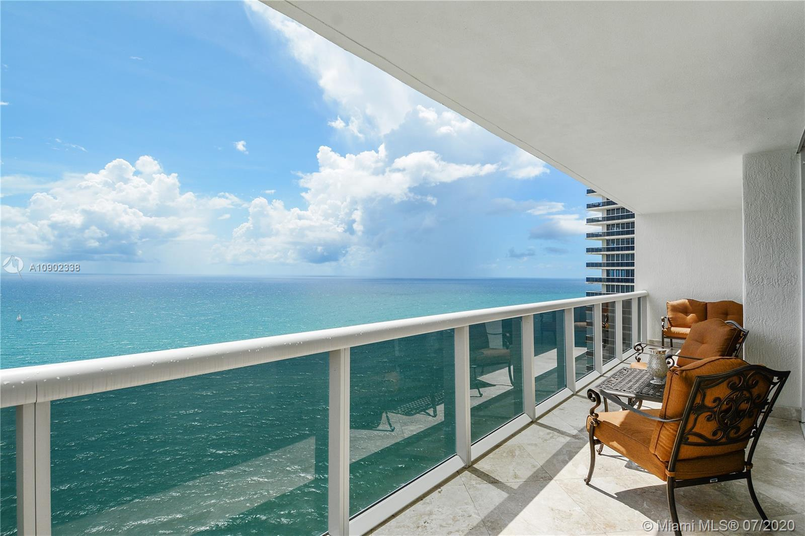 Spectacular Upper Penthouse On The 43Rd Floor Directly Facing The Ocean. Beachfront In The