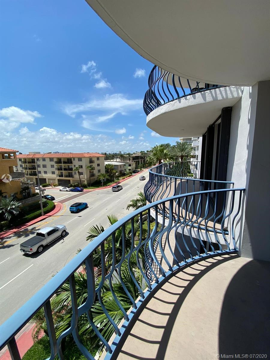 HUGE UNIT IN GTREAT OCEANFRONT BUILDING IN SURFSIDE. ONE LARGE BEDROOM AND TWO FLL BATHROOMS. JUST S