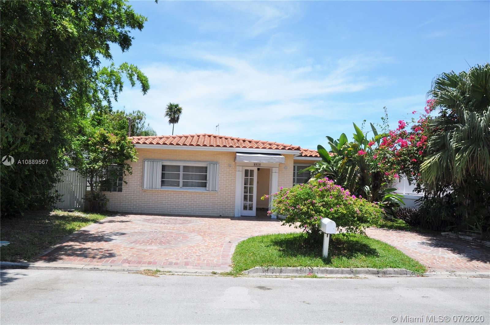 Surfside Large 3/2 with over 2,000 sq. ft. of living area located on a quiet street of 89th & Garlan
