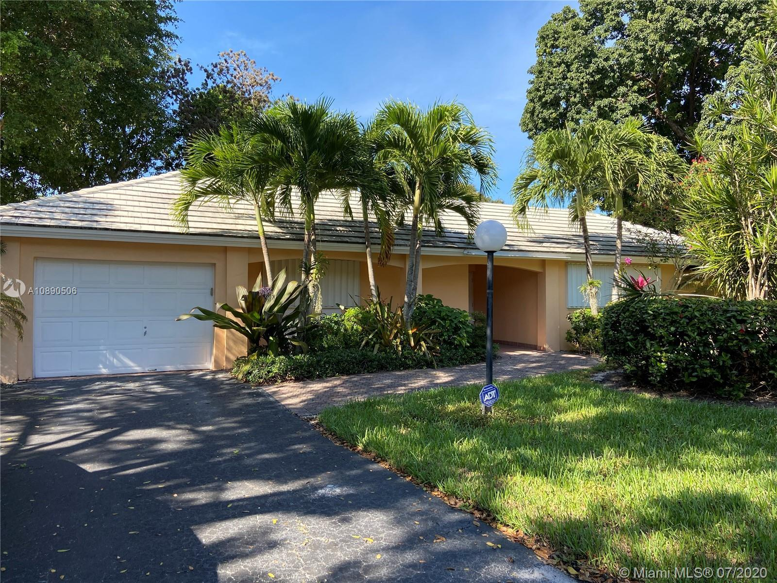 REDUCE PRICE FOR A QUICK SALE! Spacious Villa Substantially renovated in the Heart of Palm Aire with