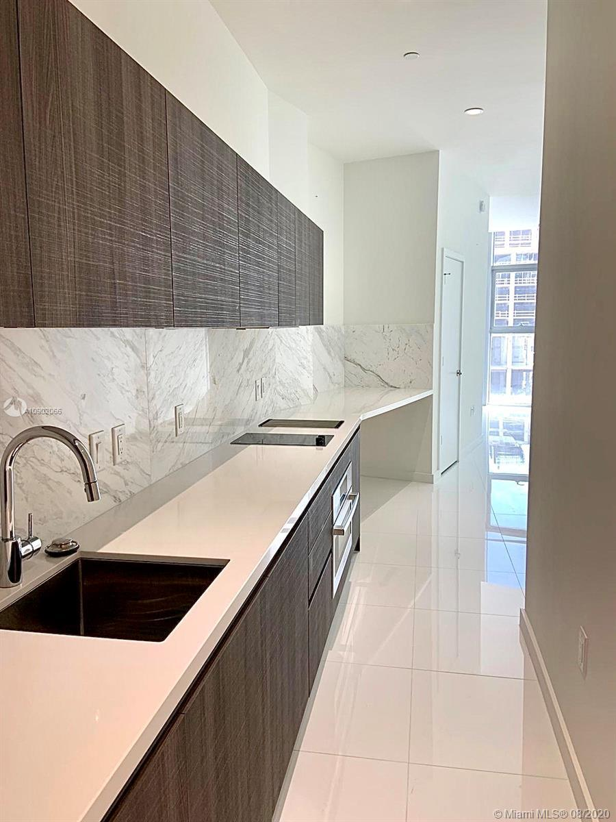 Cozy studio in brand new development Paramount Miami World Center. Only guest suite unit which inclu