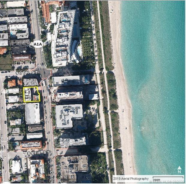 QUIET AND CLEAN ONE OF A KIND CORNER TOWN HOUSE UNIT 400 FEET FROM THE BEACH CONSISTING OF AN OPEN K