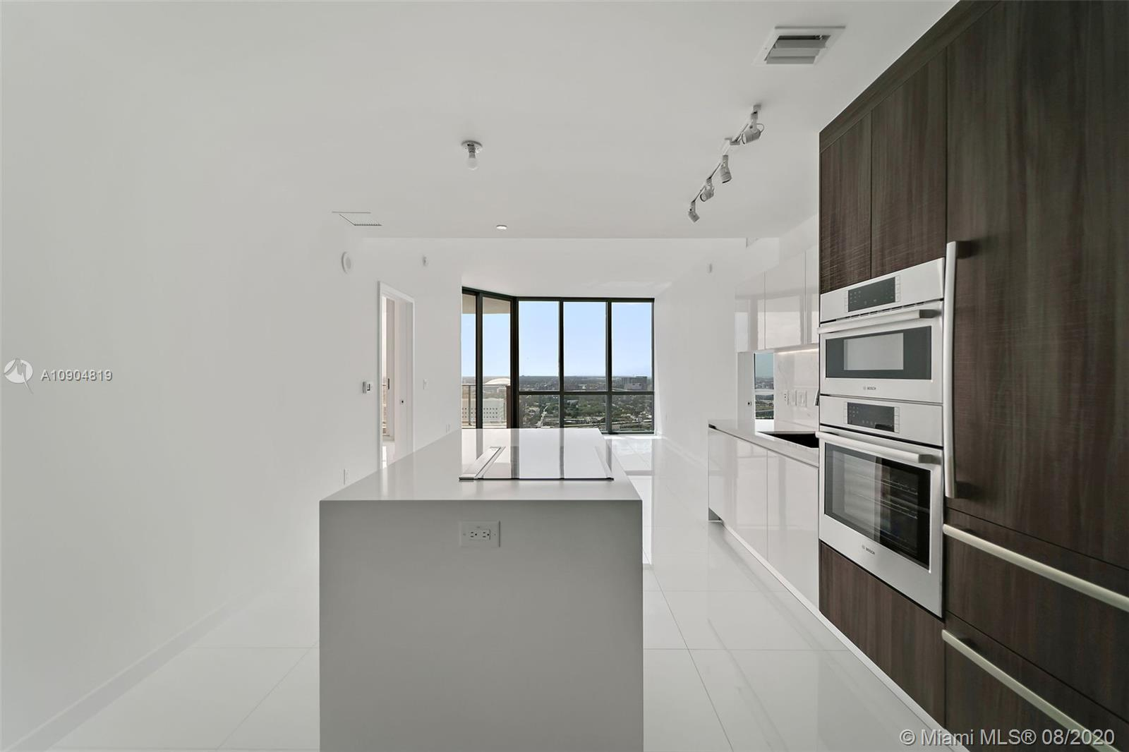 Paramount World Center, Luxurious condominium with!  This unit with 1498 sf features two Master Suit