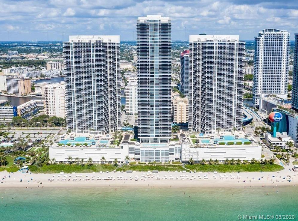 Spacious 2 Bedrooms / 2 Baths +Den with amazing ocean views from the 42nd floor. Access balcony from