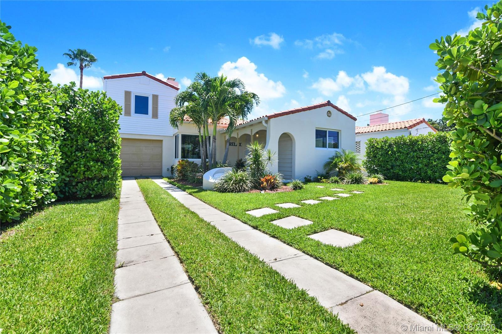 Only 4 blocks to the ocean! Bright and beautiful beach house in the desirable oceanfront Town of Sur
