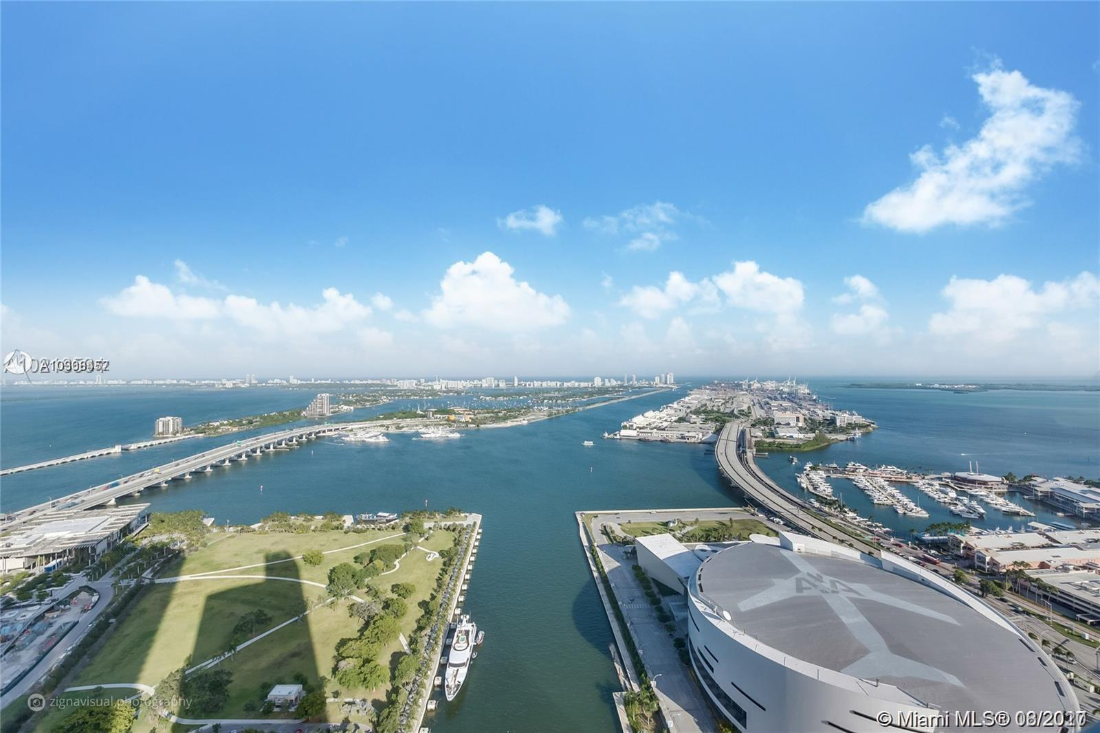 Breathtaking panoramic views of Biscayne Bay, the Atlantic Ocean and Miami Beach skyline from the 49
