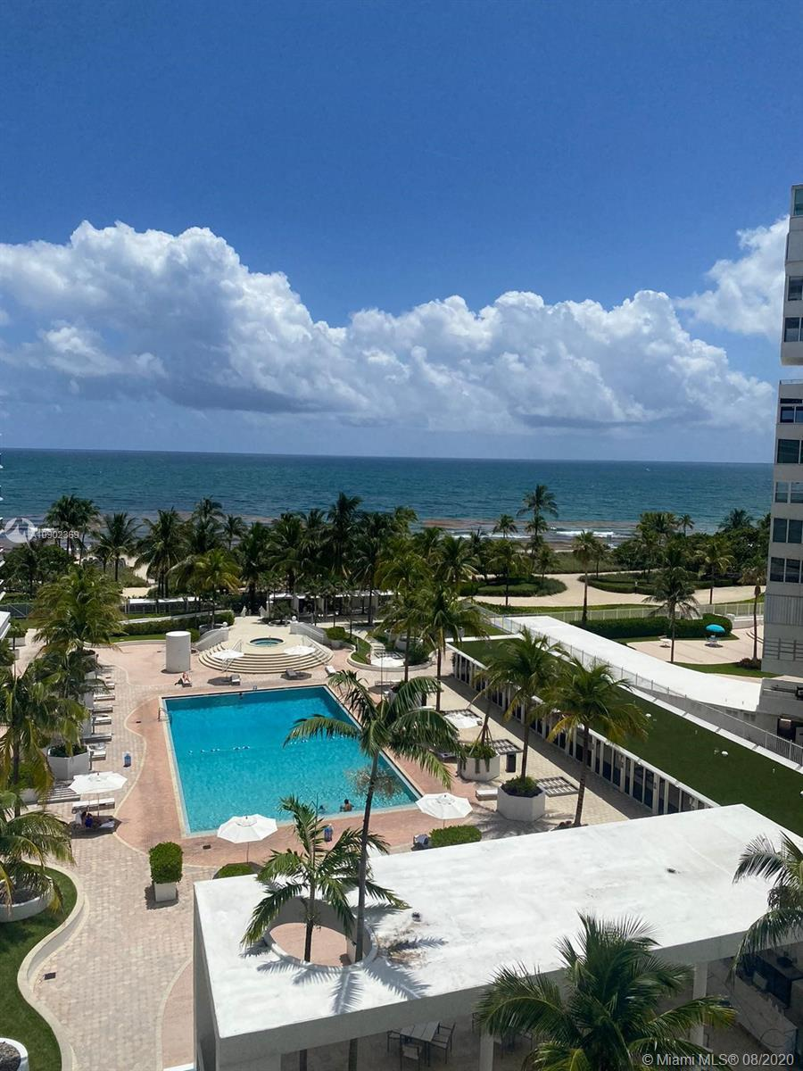 OCEANFRONT VIEW. Breathtaking views of the Ocean and Pool from this 2 bedroom 2 baths unit. Kitchen