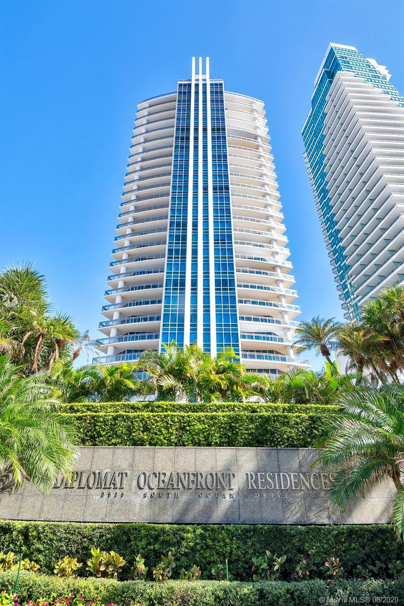BEST VALUE IN THIS EXCLUSIVE & PRIVATE BOUTIQUE BUILDING ON HOLLYWOOD BEACH! THIS BEAUTIFUL DIRECT O