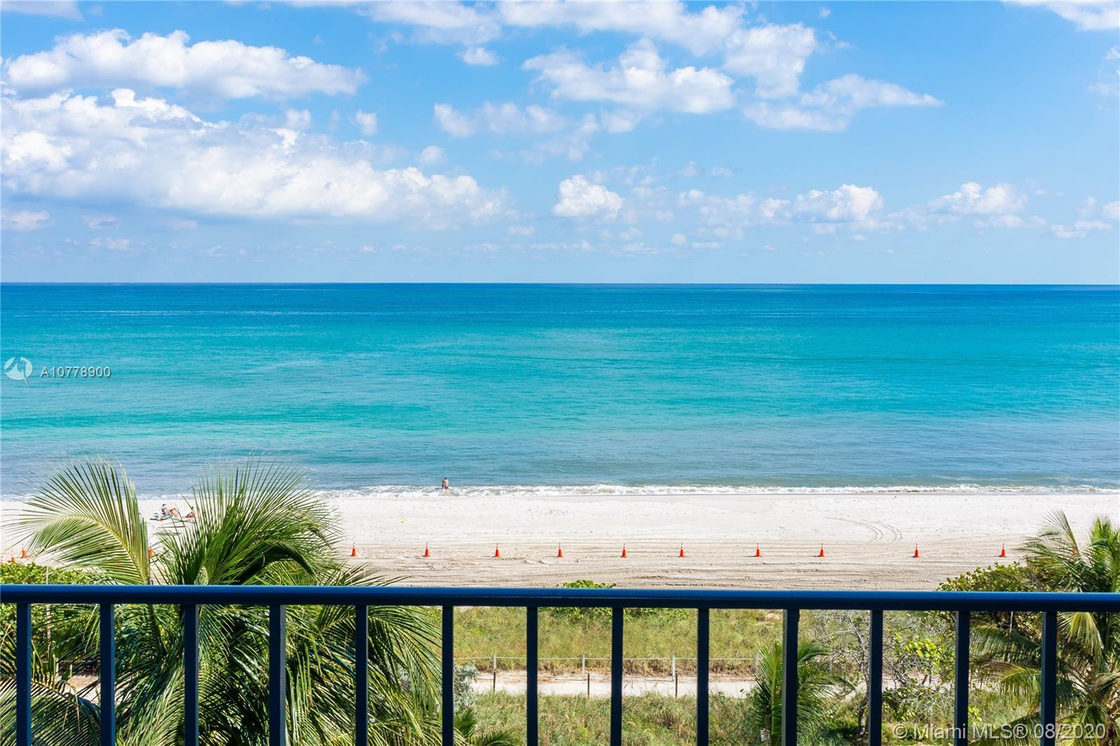 Stunning, bright direct ocean views everywhere from this stunning 3 bedroom plus den. Huge wraparoun