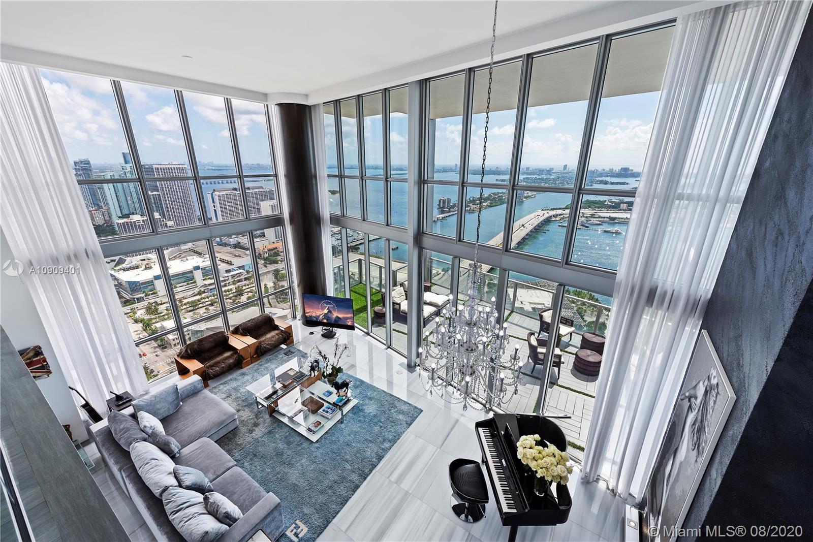 Majestic & unique combined condo units in the hottest location in Downtown Miami. No expense spared