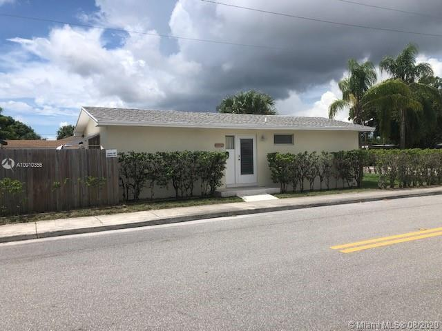 A house that generates income! Great location in a nice quiet community that is 10 minutes from Lak