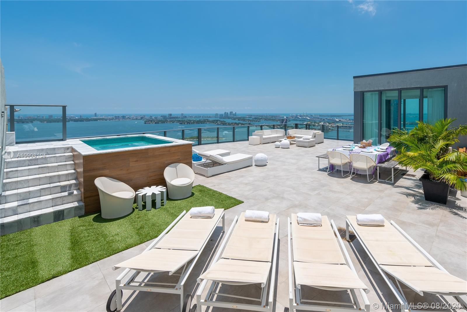 Real Penthouse: Incredible 4 Bed/4.5 Bath Corner Upper Penthouse with enormous rooftop terrace with