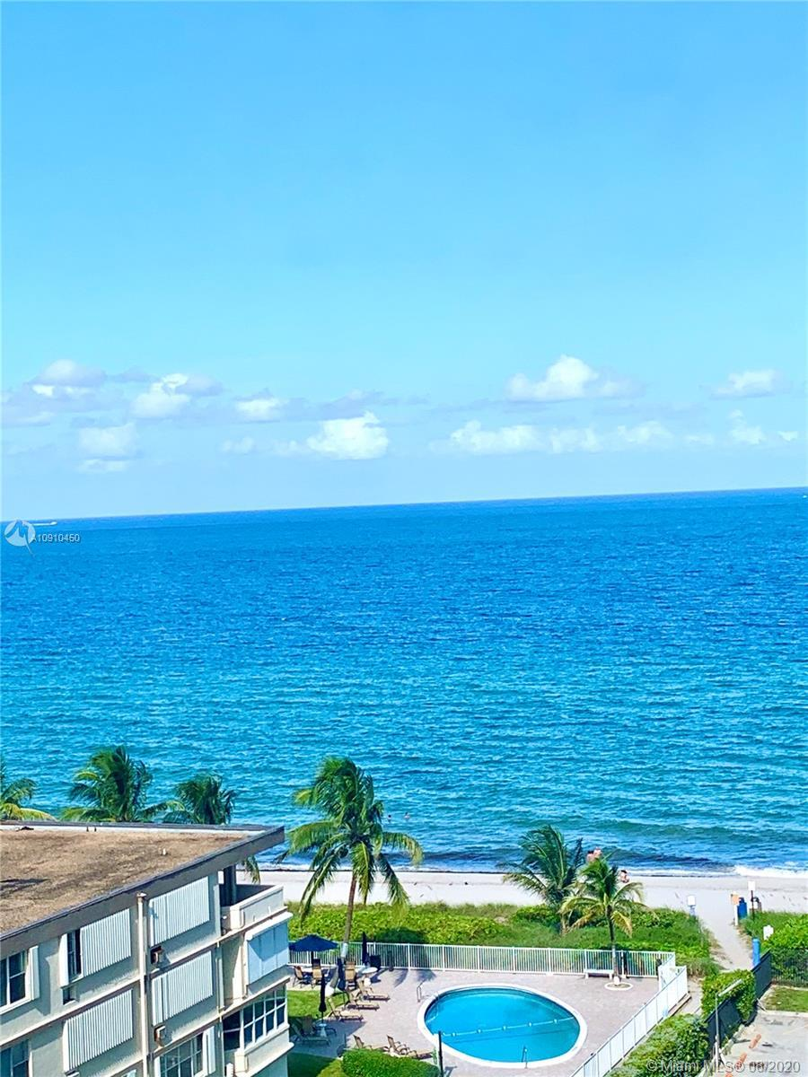 CONTEMPORARY 2 BEDROOM/2BATH CORNER ON THE OCEAN! OPEN CONCEPT KITCHEN, LIVING & DINING ROOM. QUALIT