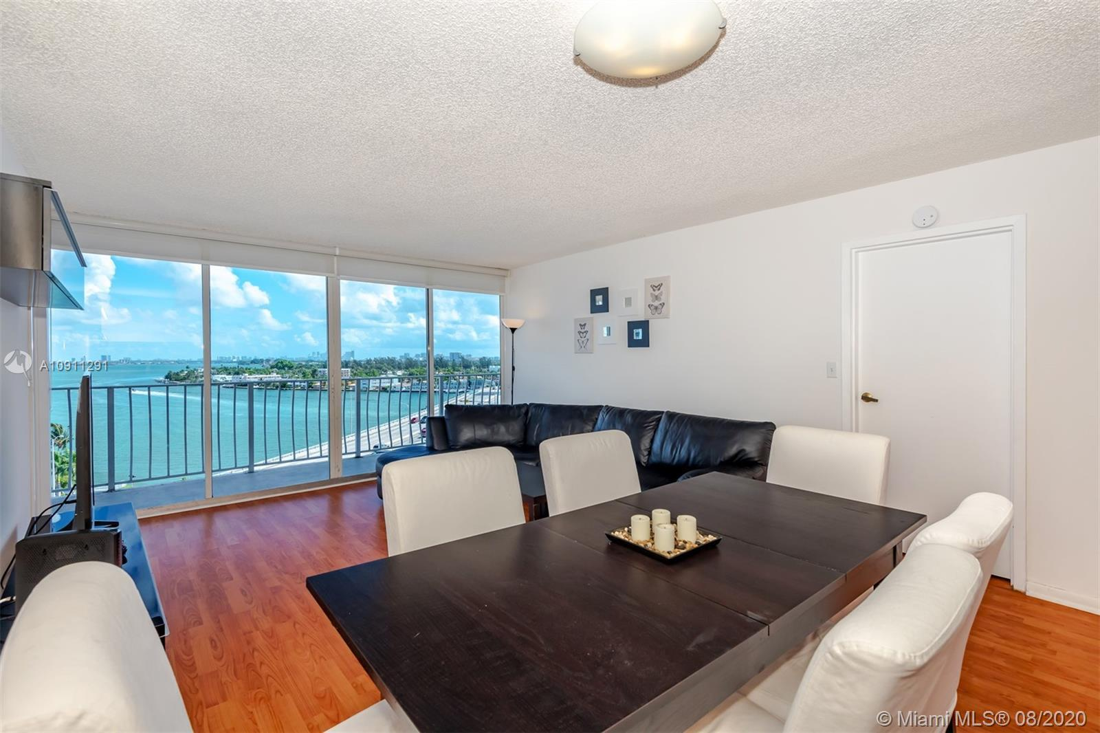 Spectacular 2 bedrooms 2 baths split floor plan with beautiful bay and city views. Located in a wate