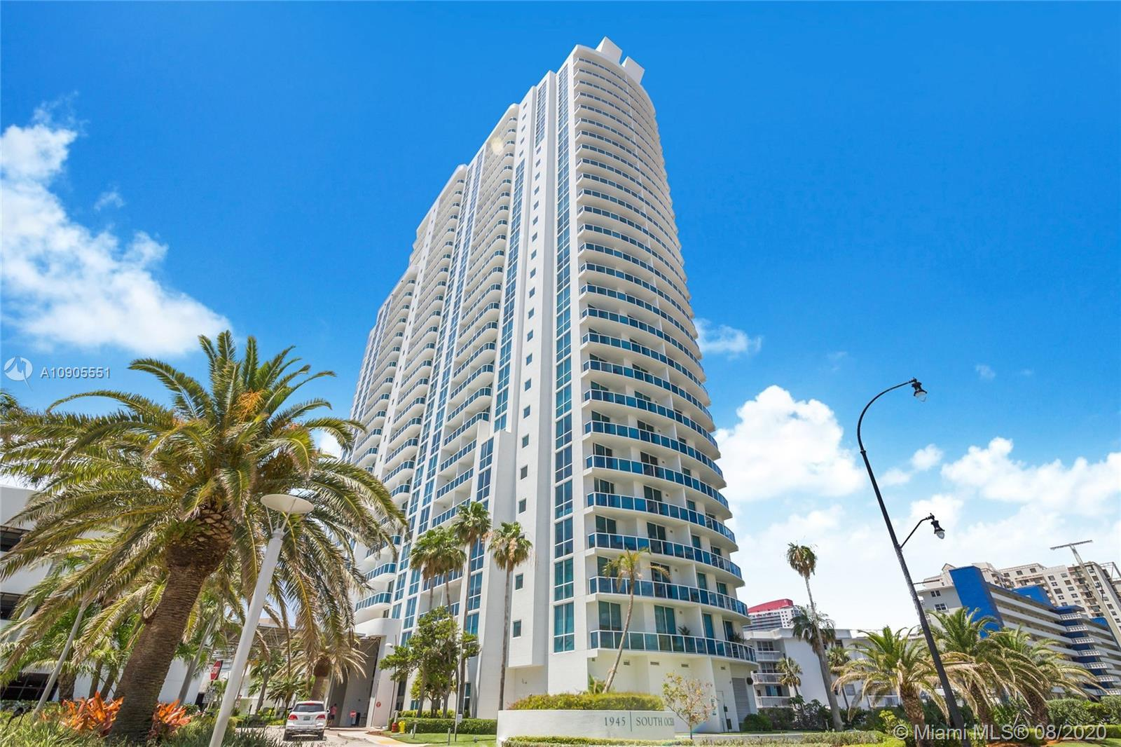 Ocean & Intracoastal views from this 1-bedroom condo across from the Beach. This is features SS appl