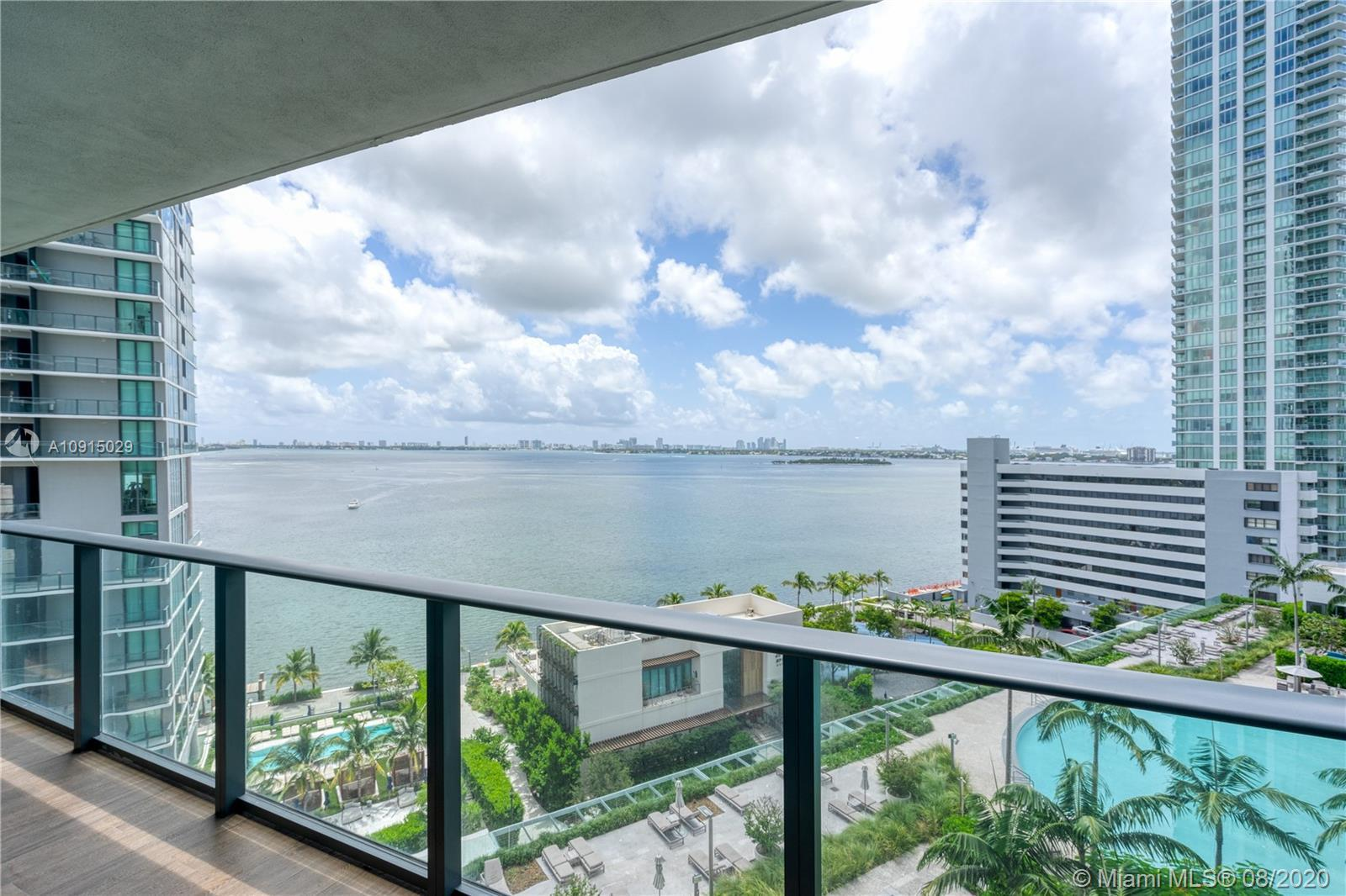 Amazing Turn Key Flow-Through Unit at desirable Building Paraiso Bay at Edgewater. Open Floor Plan w