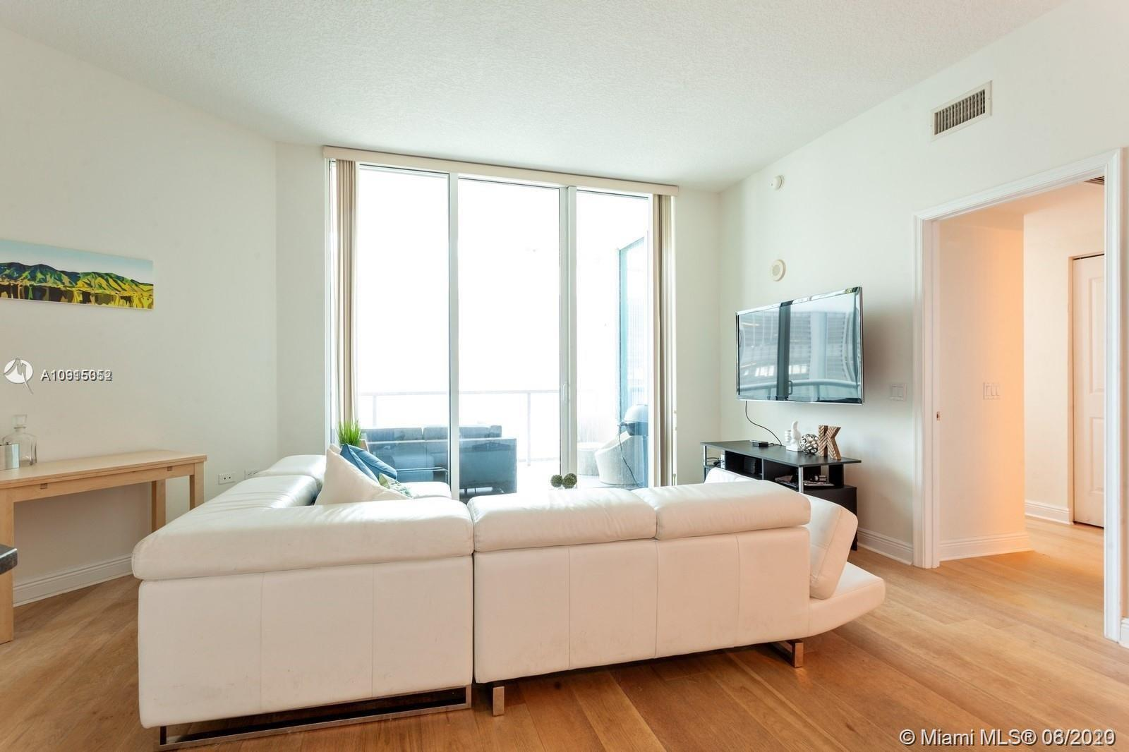 Welcome to the absolute best deal in Edgewater and Downtown Miami for a first time home buyer or inv