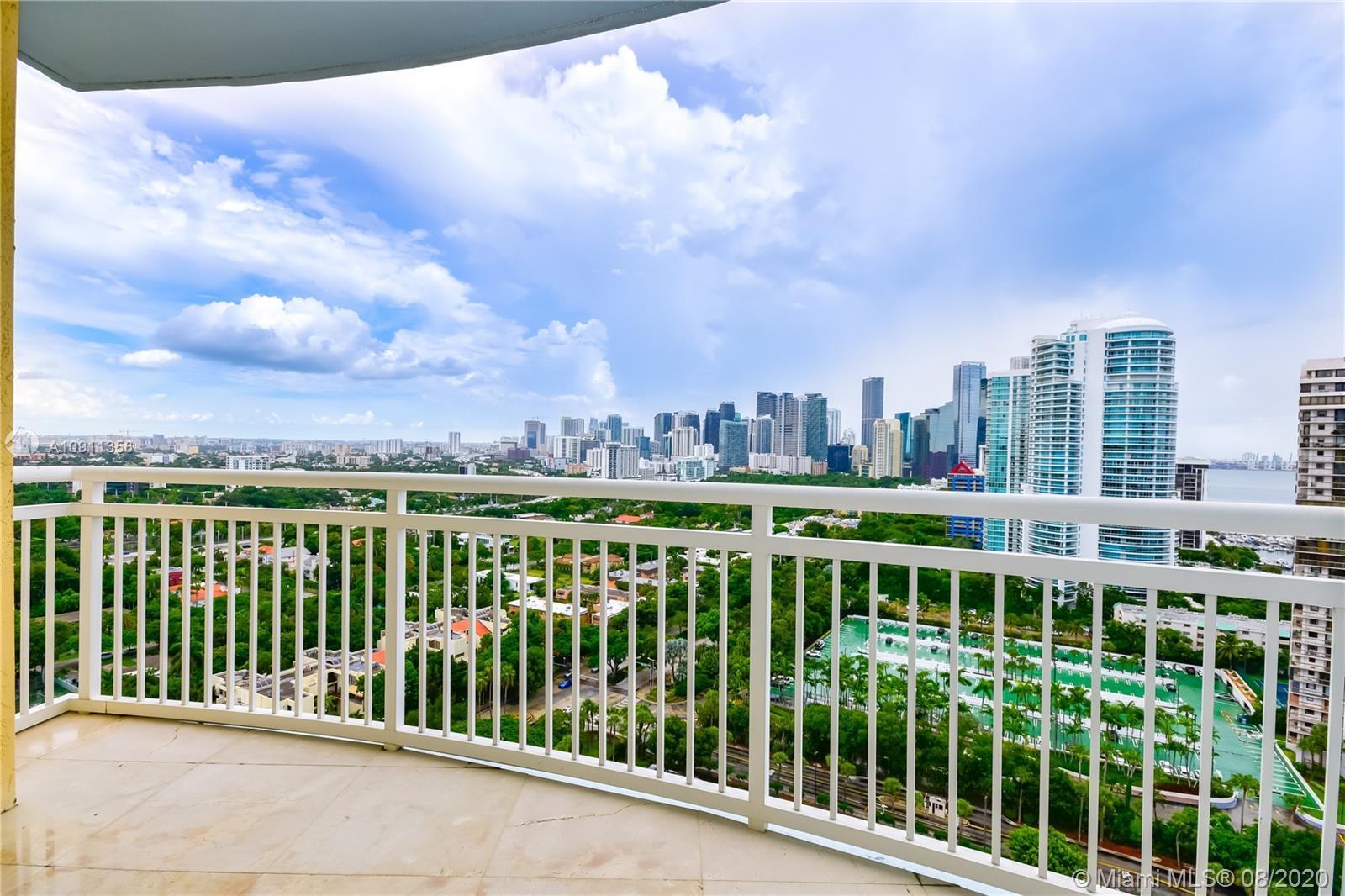Beautiful Brickell and Port of Miami Skyline Views, 2 bed, 2 bath at the Prestigious Metropolitan Bu