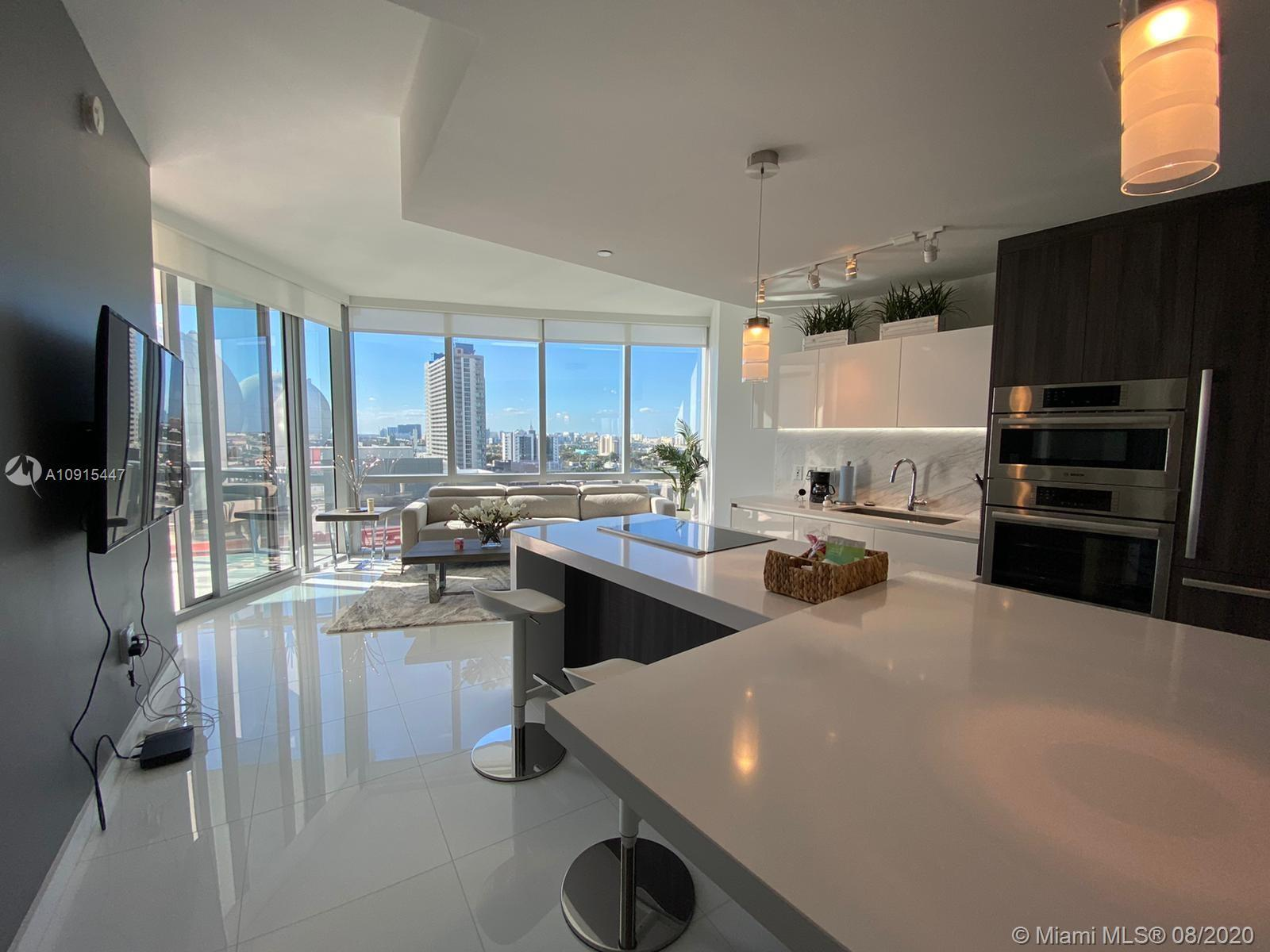 Beautiful 1 Bed + DEN /2 Baths at PARAMOUNT MIAMI. LUXURY PRESTIGIOUS apartment with a private entra