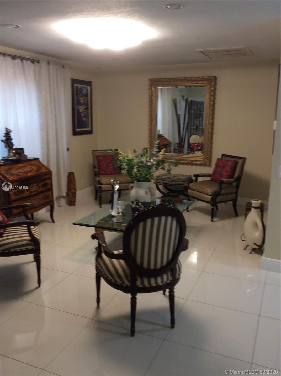 *****HALLANDALE BEACH*****BEAUTIFUL 3/BERMS 2/FULL BATH, EXCELLENT LOCATION AND CONDITION. UNIT FIXT