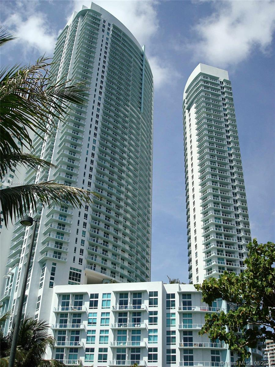 Beautiful modern condo Apartment! 1 Bedroom, and 1 Bathroom, Open floor plan with lots of natural-li
