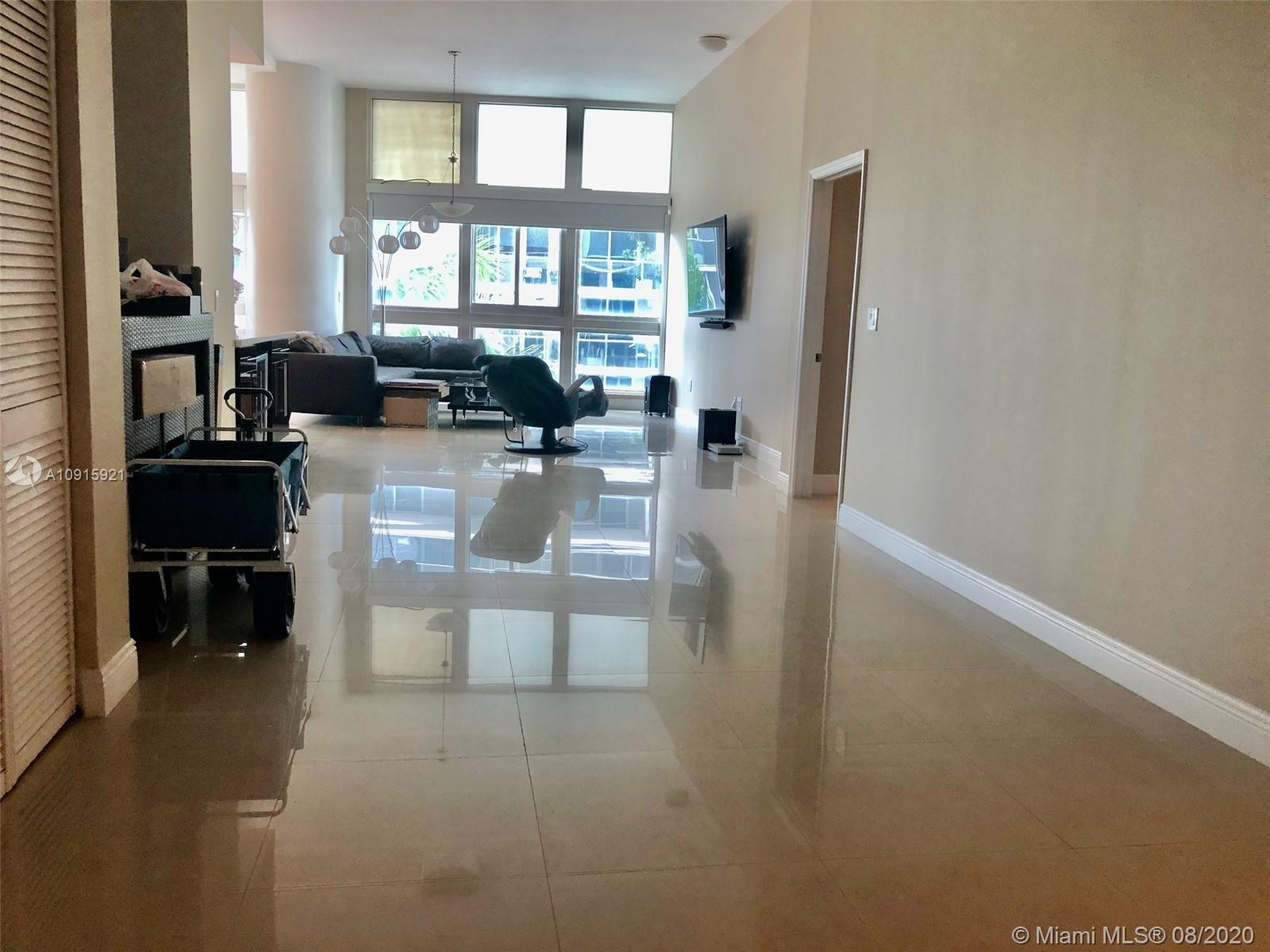 SPECTACULAR HUGE 1249 SQ FT LIVE/WORK SPACE/LOFT 12FT CEILINGS W/IN CLOSED BEDROOM IN EDGEWATER AT T