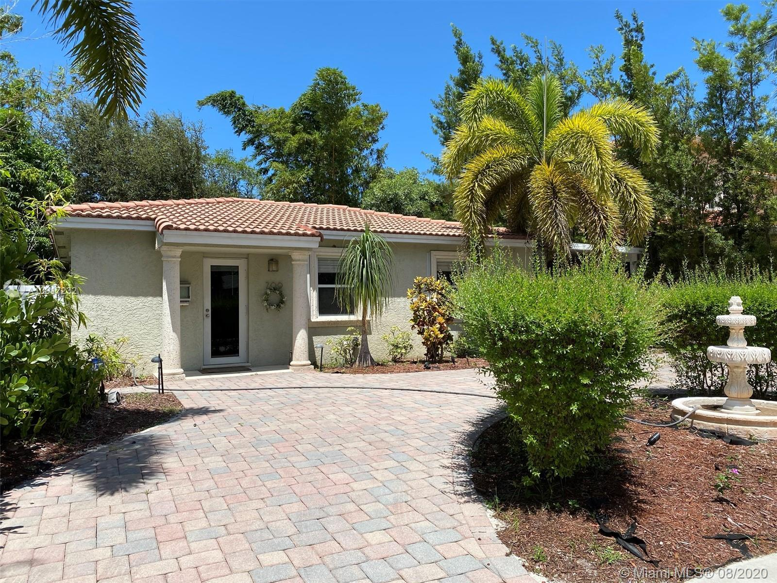 Welcome to this well maintained, renovated 3 bed/2 bath with no HOA in the heart of Fort Lauderdale.