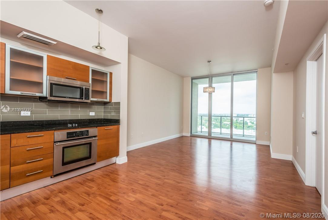 Beautiful 1 bedroom, 1.5 baths, with remodeled kitchen and bathrooms. Stainless steel appliances, gr