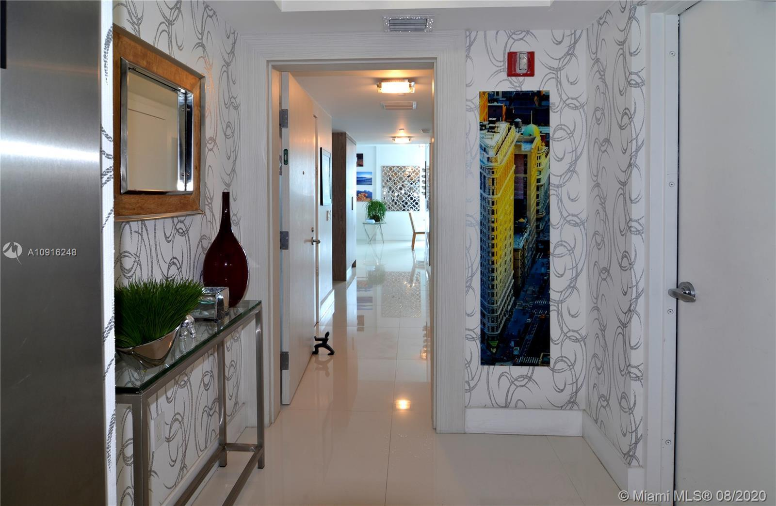 CIELO ON THE BAY is a beautiful boutique building, only 35 units located on the beautiful Miami Bay.