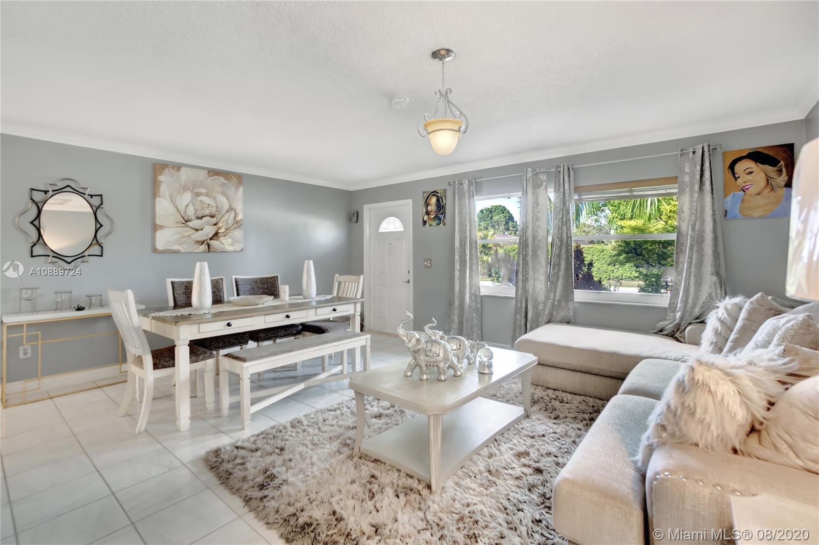 REDUCED TO SELL! Bring all offers!!!! Nicely updated 3/2 home in the desirable West Boca Raton Area