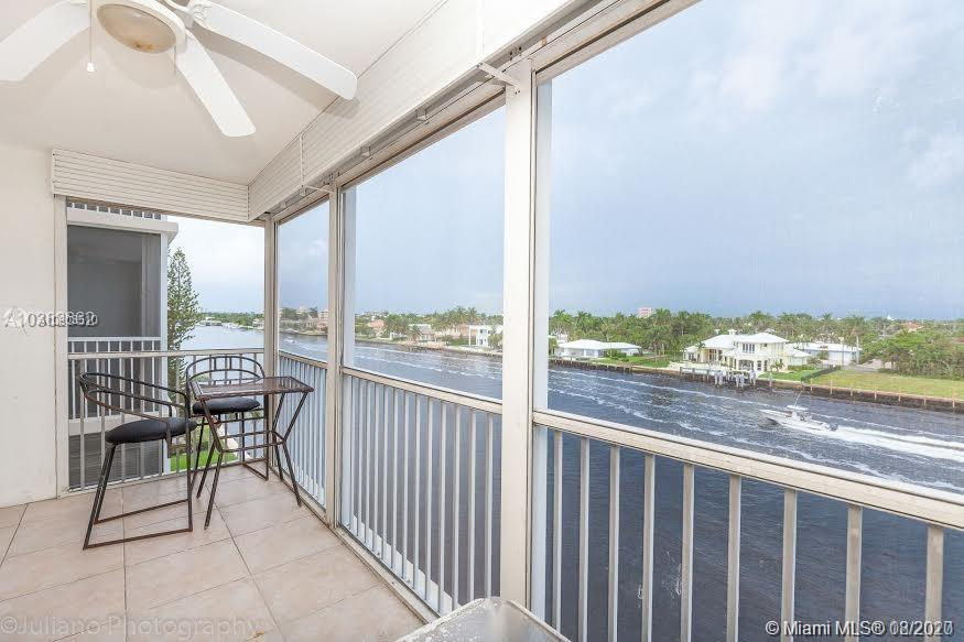 Beautifully remodeled with stunning Intracoastal and City views! Watch the boats go by all day long!
