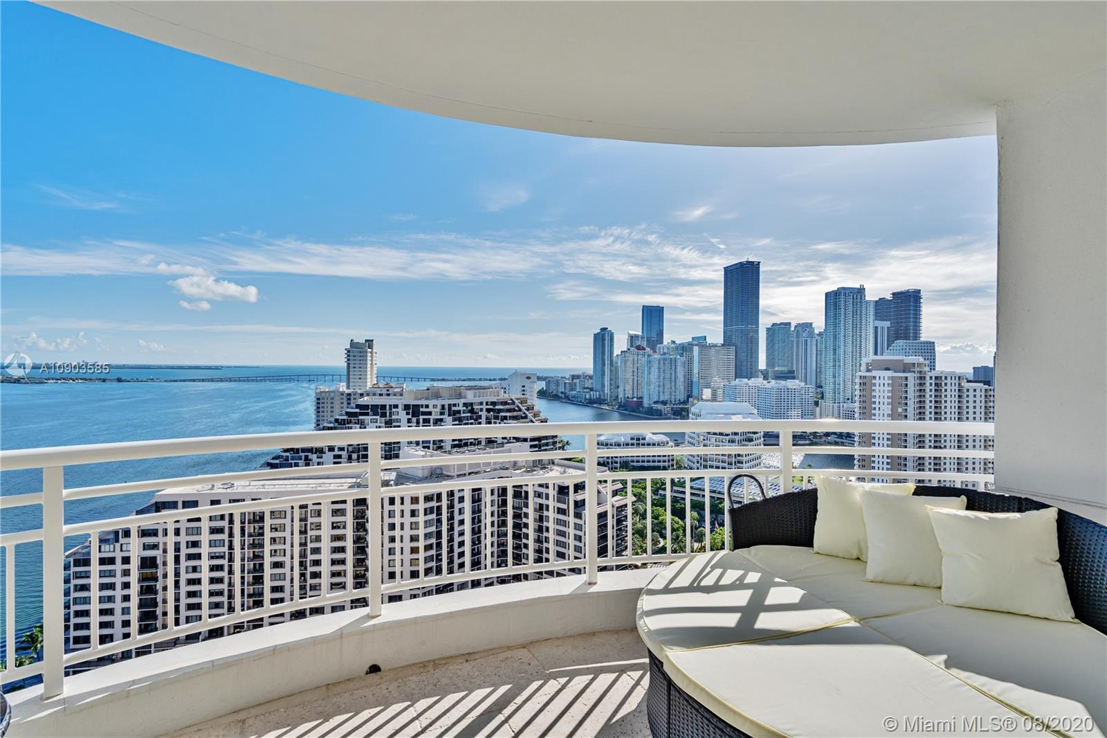 Fully furnished and spacious 1/1/1 with 1,087 sq/ft, stunning views of Biscayne Bay, Brickell and Br