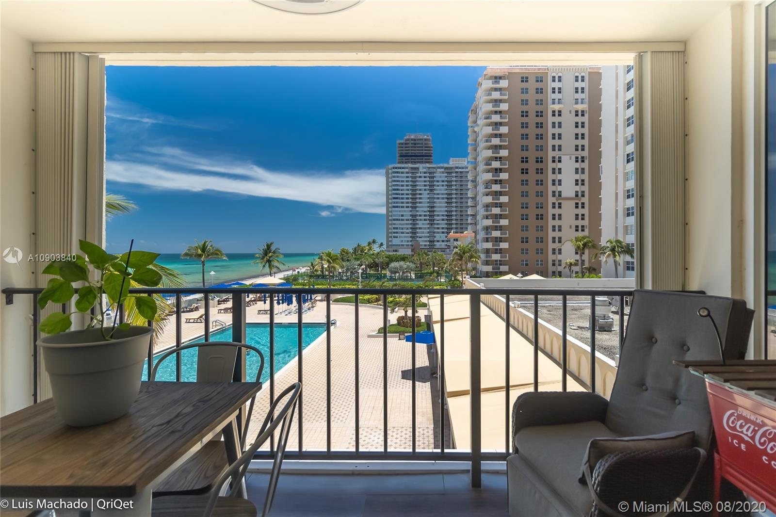 Perfect Beach condo. Spacious corner with a great layout large 2 bedrooms and a den unit (has a door
