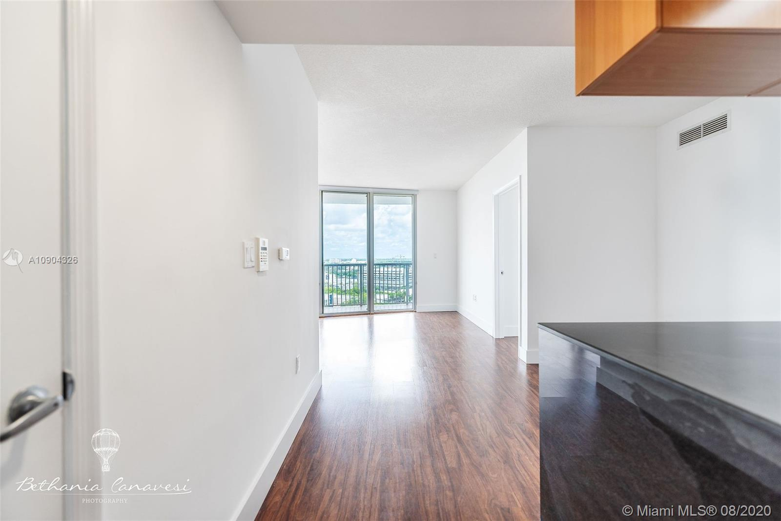 Newly painted 2 bed/2 bath spacious condo with beautiful city view. Modern and updated kitchen. Wash