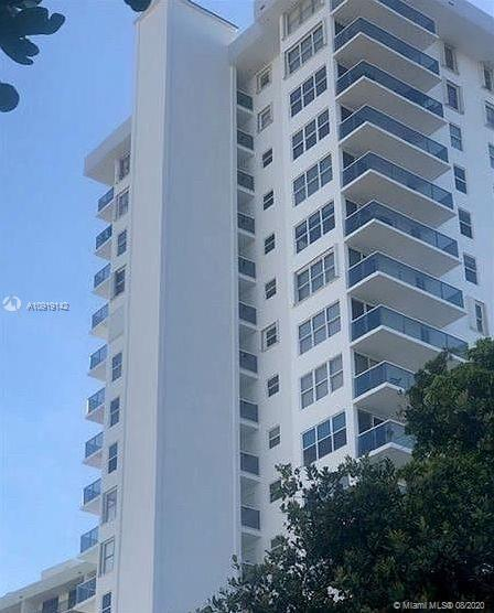"""LUXURY HIGH RISE THE BERKLEY"". LOCATED ON FAMOUS OCEAN BLVD FT. LAUDERDALE.  RENOVATED UNIT. NEWLY"