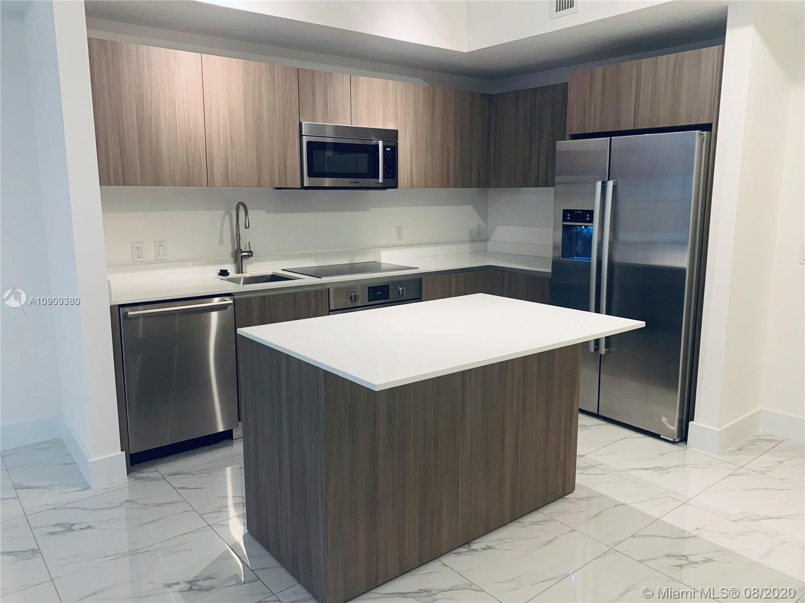 Priced to sale, great opportunity! Spacious 1 bed 1 bath apartment in a modern boutique style buildi