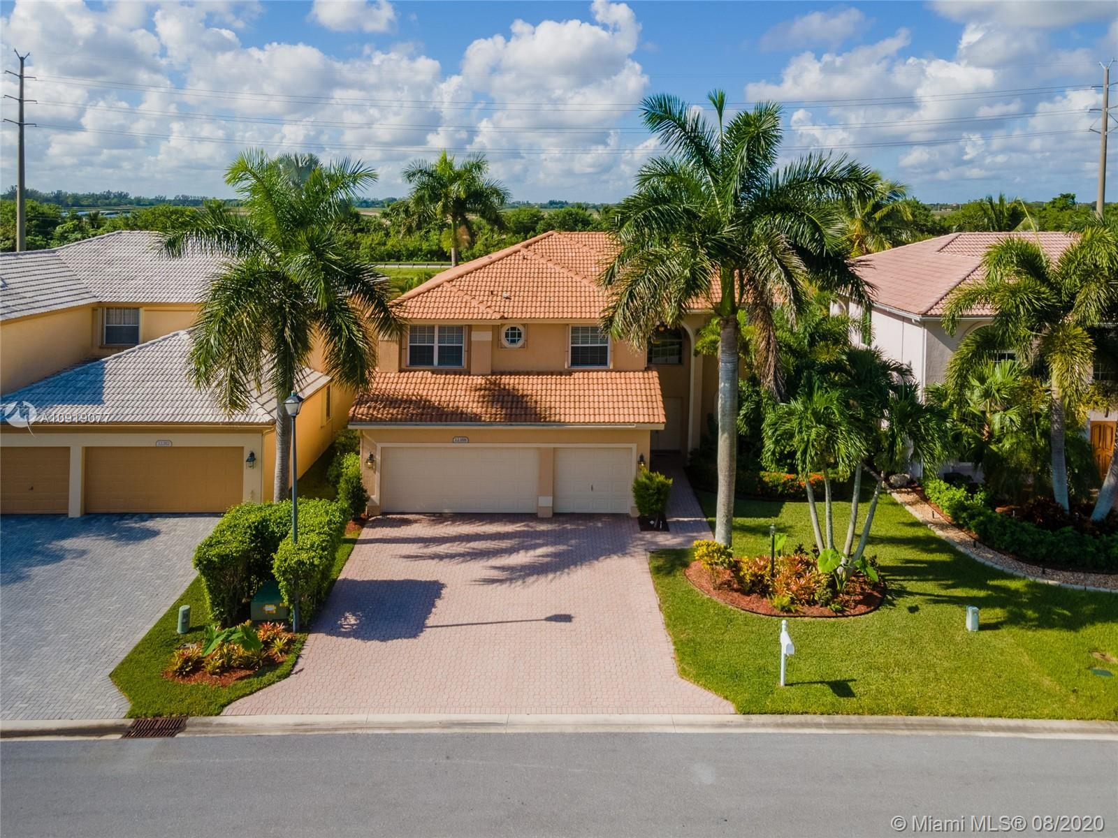 NEW TO THE MARKET VERY SPACIOUS MOVE IN READY HOME IN POPULAR BOCA WINDS COMMUNITY IN BOCA RATON!!!