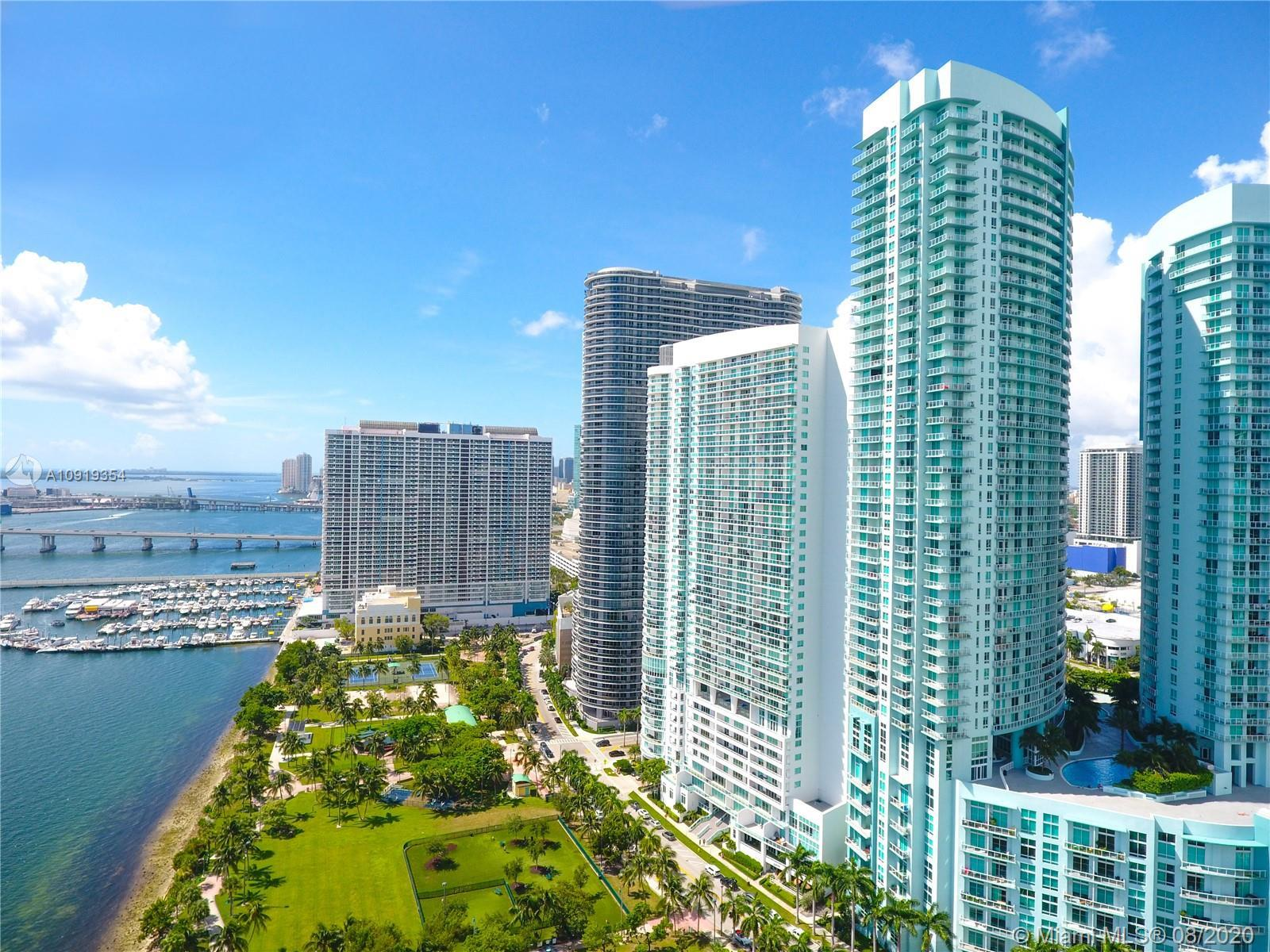 Great condo with bay views at The 1800 Club in the heart of Edgewater. Featuring large open balcony