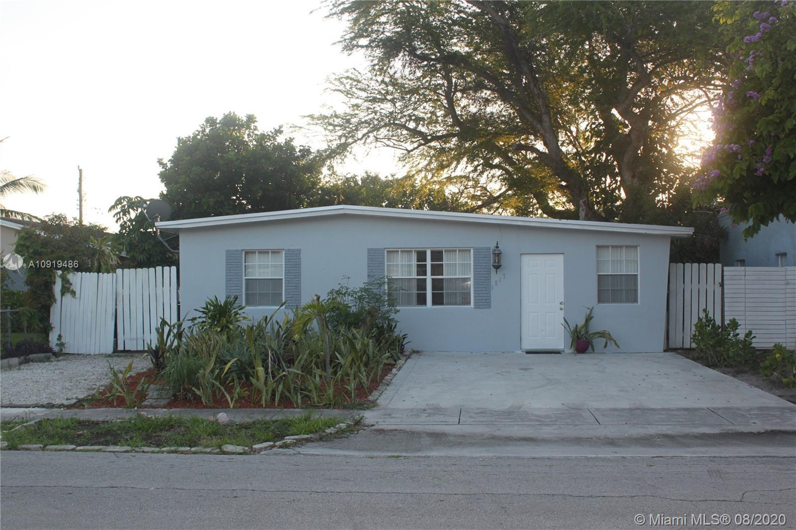 SINGLE FAMILY HOME LOCATED BLOCKS FROM WILTON MANORS AND A SHORT STROLL TO THE BEACH. RECENTLY PAINT