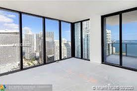 NEW BUILDING/1010  BRICKELL ,3 BEDROOMS, 3 FULL BATHROOMS + A DEN,BEST LINE IN THE BUILDING OVERLOOK