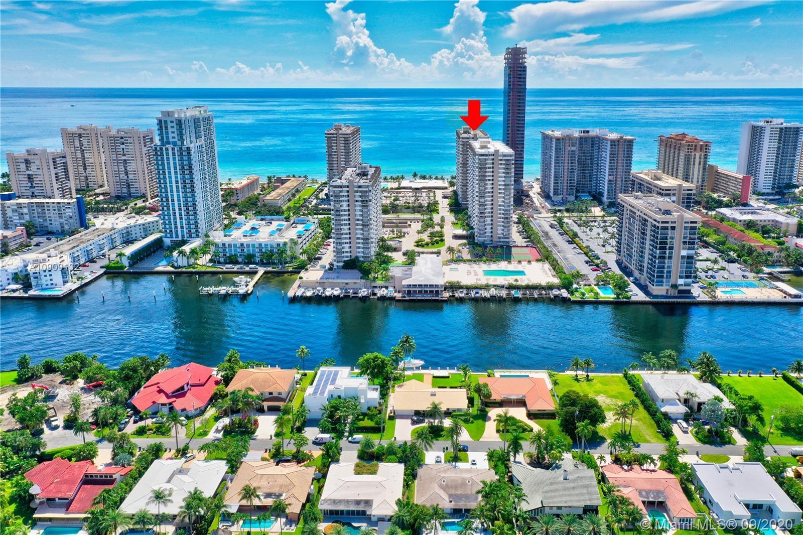 Oceanfront 1BR/1.5BA unit with panoramic Ocean, Intracoastal and city skyline views! 3rd balcony fro