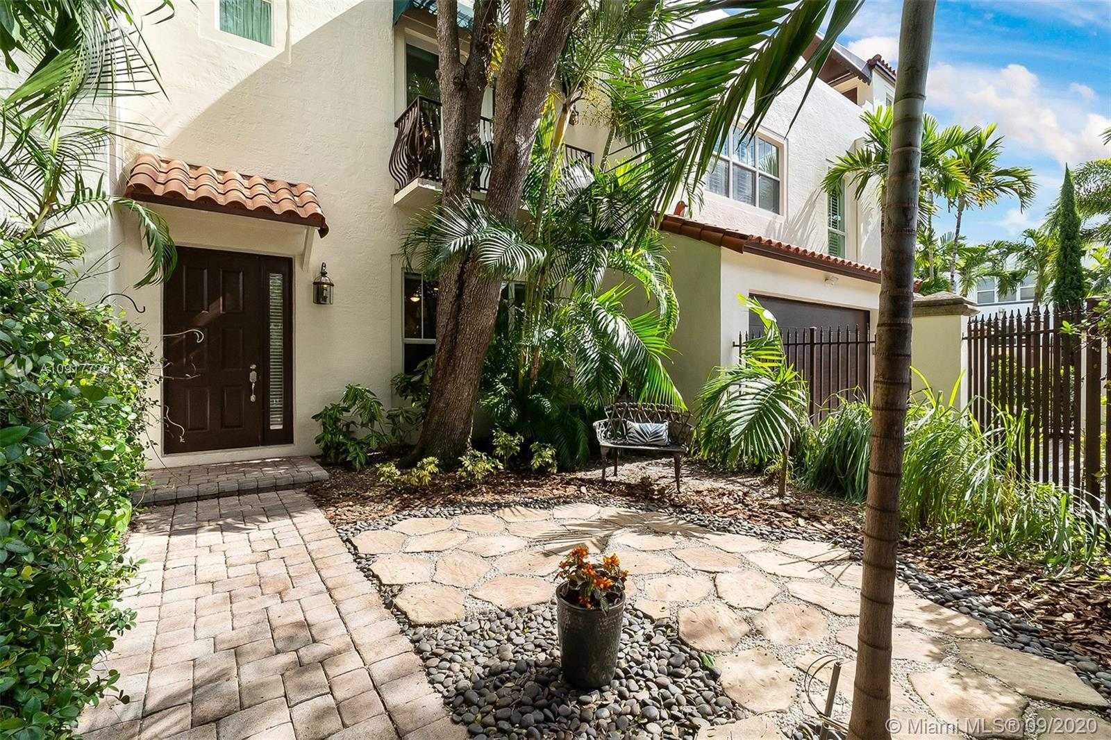 Situated in one of the most coveted areas of Fort Lauderdale sits this spacious 3 BD/2.5 BA townhous