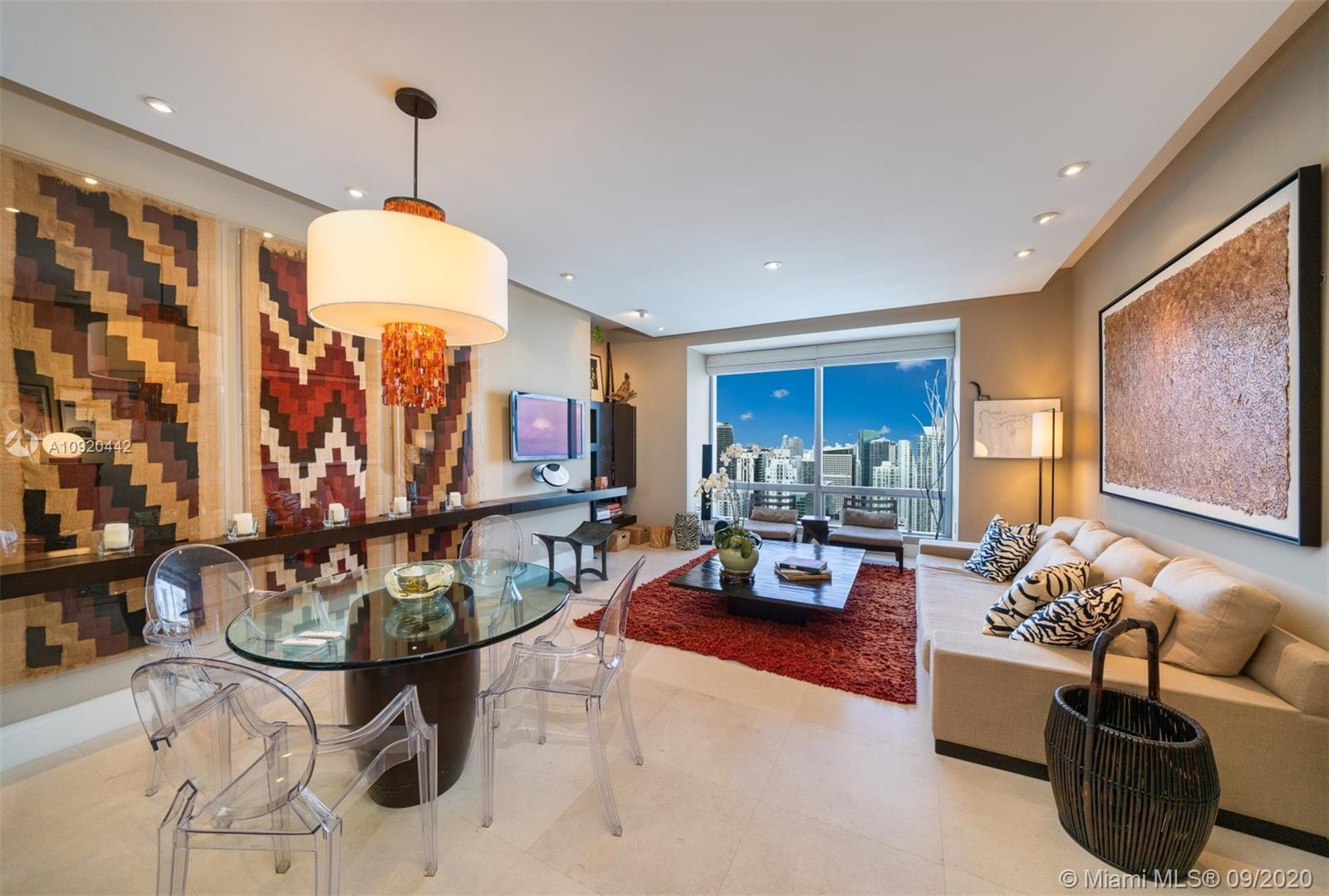 OUTSTANDING RESIDENCE ON THE 52nd FLOOR AT FOUR SEASONS RESIDENCES MIAMI. THIS MASTERPIECE SHOWCASES