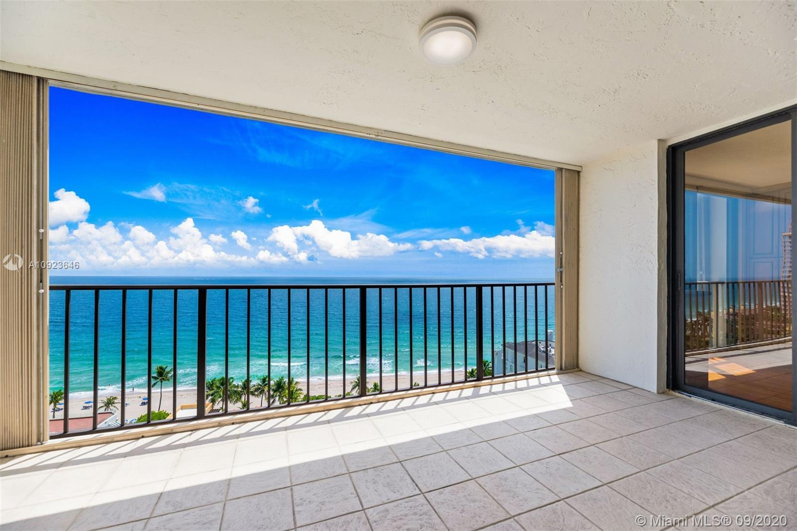 MAGNIFICENT DIRECT OCEANFRONT VIEW! ENJOY THE WONDERFUL LIFESTYLE BY THE SEA IN THIS OPEN AND SPACIO