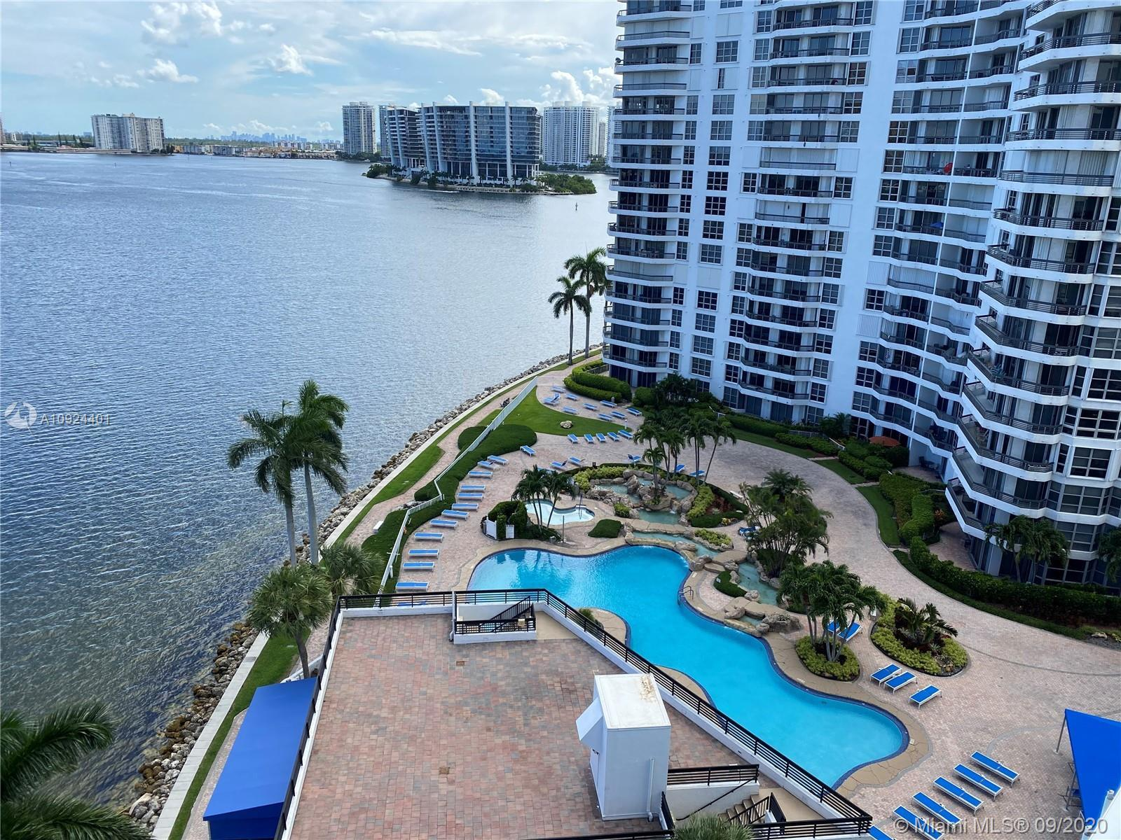 This is the best line in Mystic Point. Direct view to the ocean, the Intracoastal canal, and pool. T