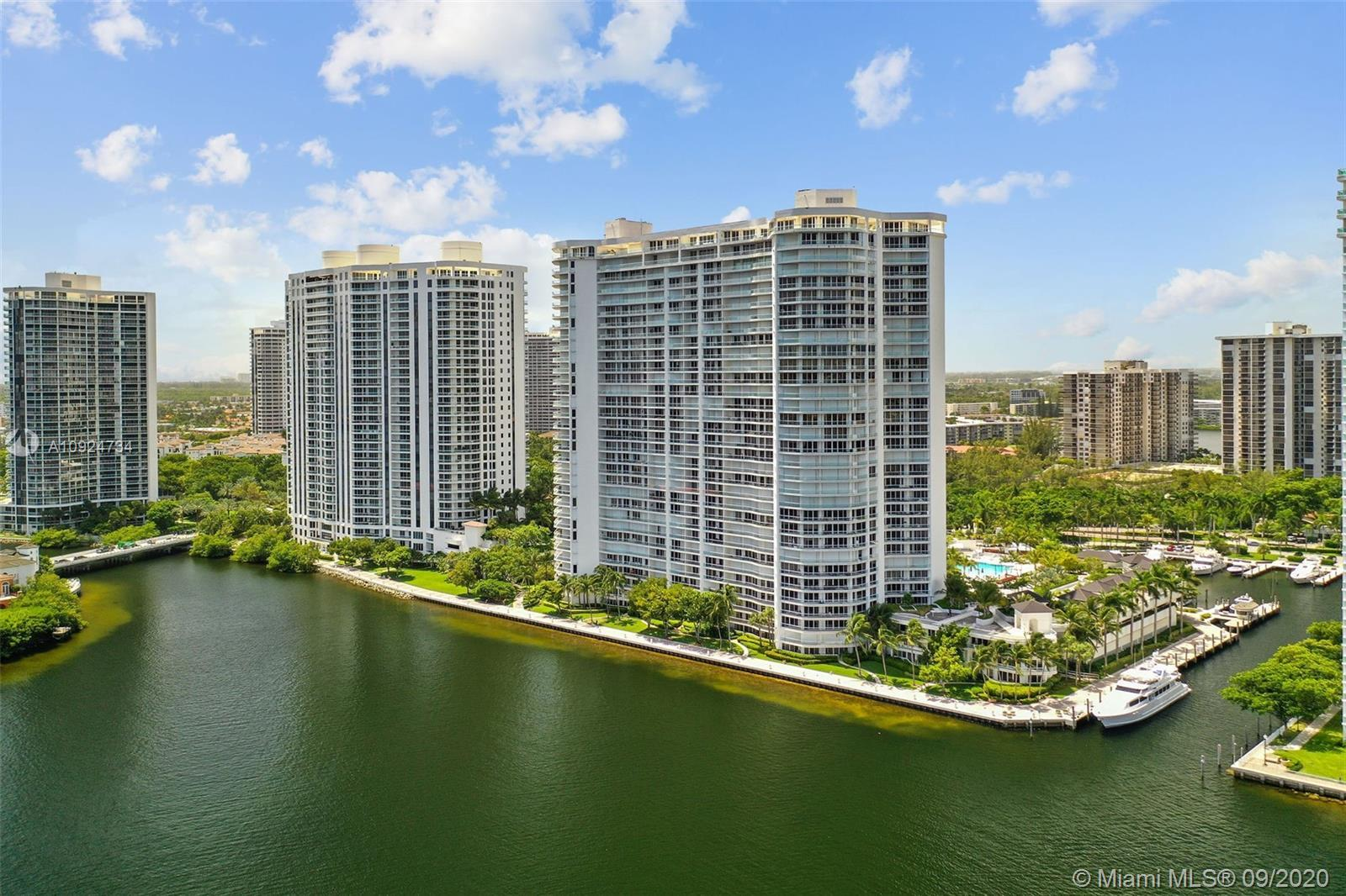 MAGNIFICENT APARTMENT IN THE LUXURIOUS WILLIAMS ISLAND. 2 BEDROOMS 2 BATHROOMS. THIS AMAZING RESIDEN