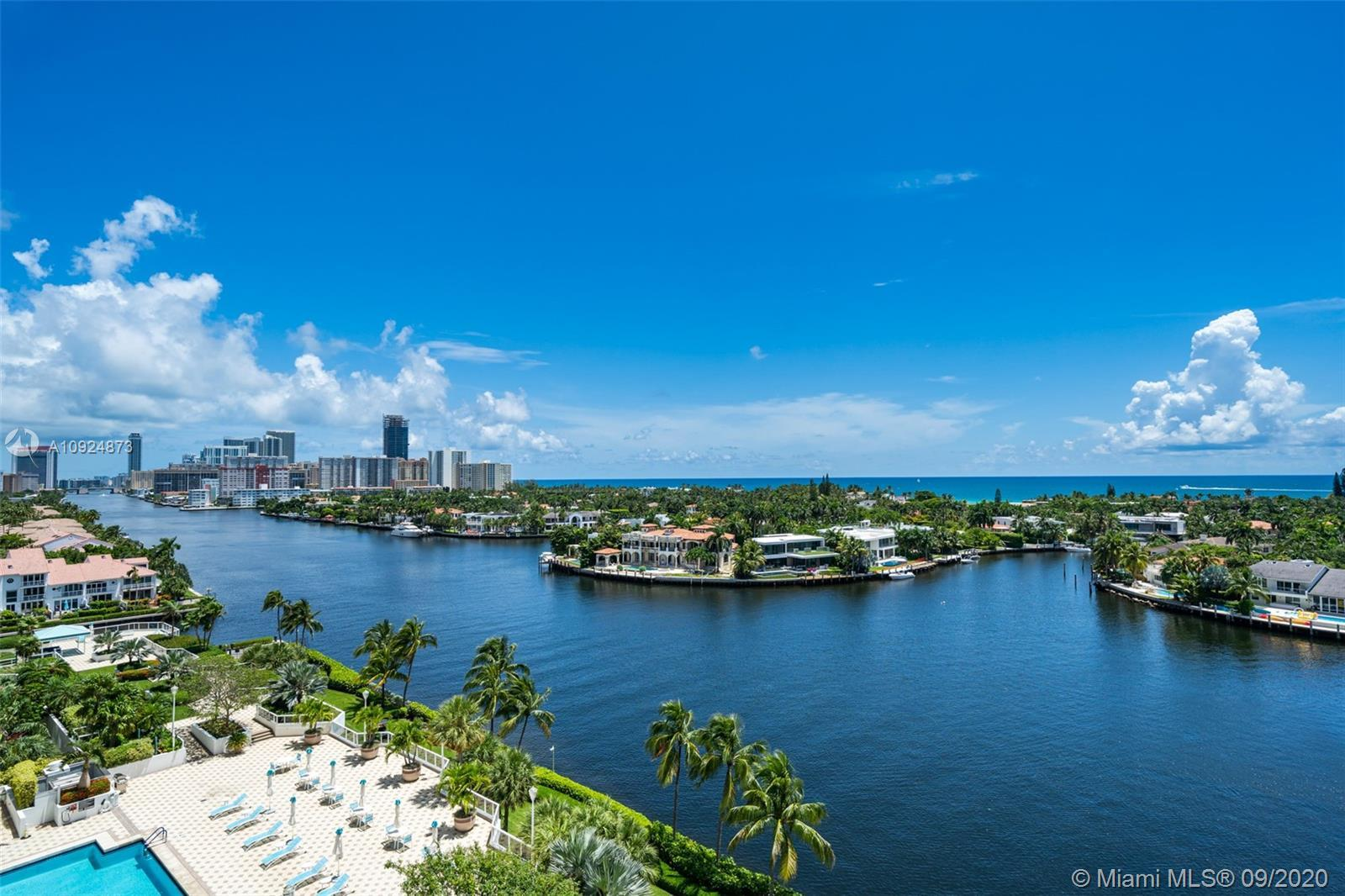 Best kept secret of Aventura! One Island offers only 4 large units per floor with a 5 star service a