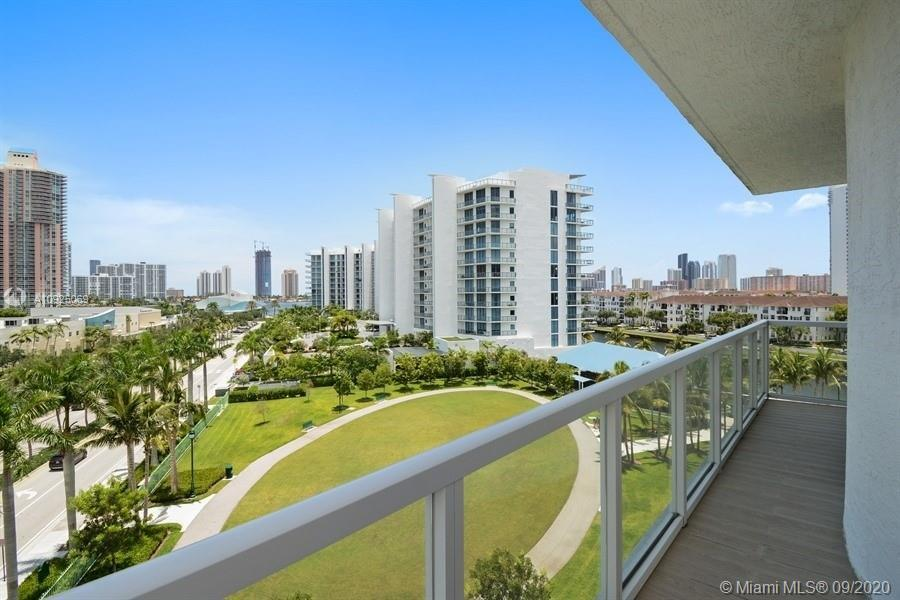 Ultra modern 3 beds / 3 bath (*BEDROOMS AND BATHS AS PER OWNER*) residence partially furnished in th